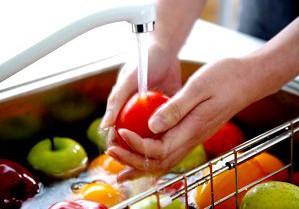 «Медісвіт» советует как уберечь себя от пищевых отравлений летом.