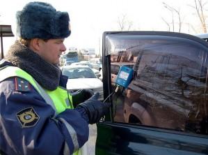 Как же следует затонировать автомобиль, чтобы не преступить правила дорожного движения