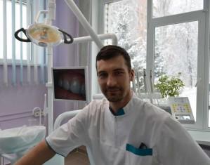 Имплантолог Кагляк Ромео в стоматологии Джулия