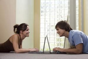 Знакомства в интернете: познакомлюсь с девушкой, советы.