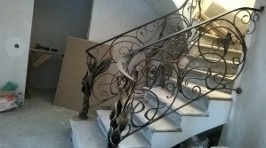 Дизайн и виды лестничных перил