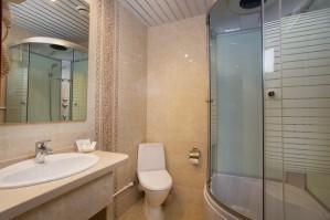 3000 за сутки: из чего складывается цена номера в гостинице Петербурга?