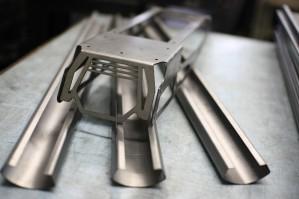 Гибка листового металла: что из оборудования обеспечит точный результат?