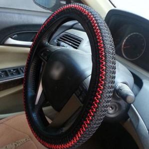 Оплетка на руль - гарант безопасности и эстетического удовольствия