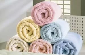 Бережная стирка пледов и одеял из разных материалов от компании «Ковер777»