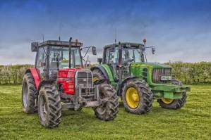 Плюсы и специфика употребления мини-тракторов
