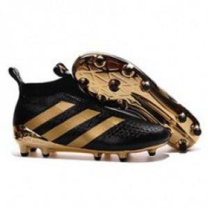 Реал Мадрид форма: футбольная обувь и атрибутика – стиль успеха