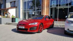Тюнинг Tesla Model S по-украински