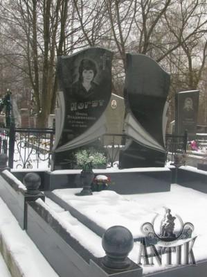 Памятники из гранита: вечная память о славных потомках