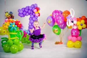 Как, используя гелиевые шары, оформить роскошный праздничный подарок
